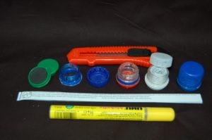 Micro-Cache-Behälter als Tafelmagneten und den Flaschenhälsen von PET-Flaschen